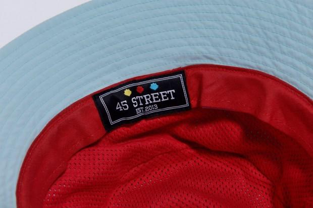 103f6532edb Новата 5-панелна шапка на марката за лятото е директен намек към  италианското Джиро и Тур дьо Франс със своя спортен дизайн, твърд и плосък  визьор, ...