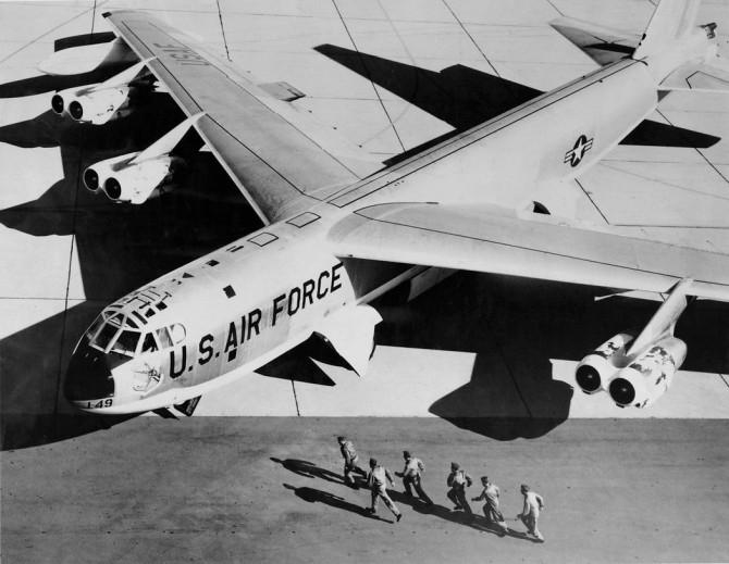 Екипажът на B-52 участва в учебна тревога през 1960 © United States Air Force