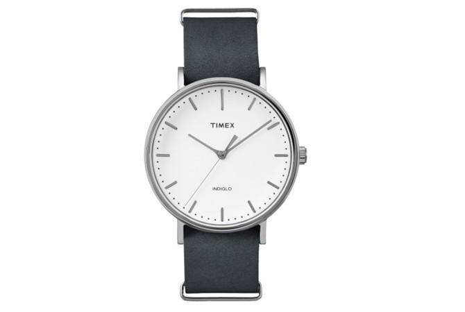 Timex Weekender Fairfield с черна кожена каишка, $56
