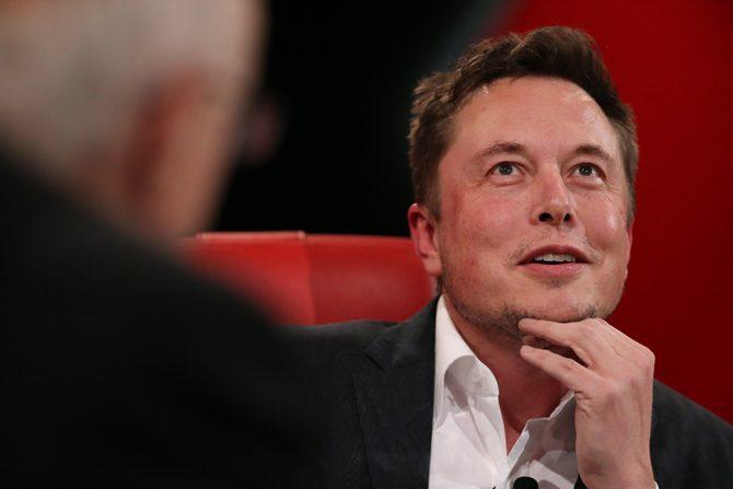 Elon Musk © Asa Mathat