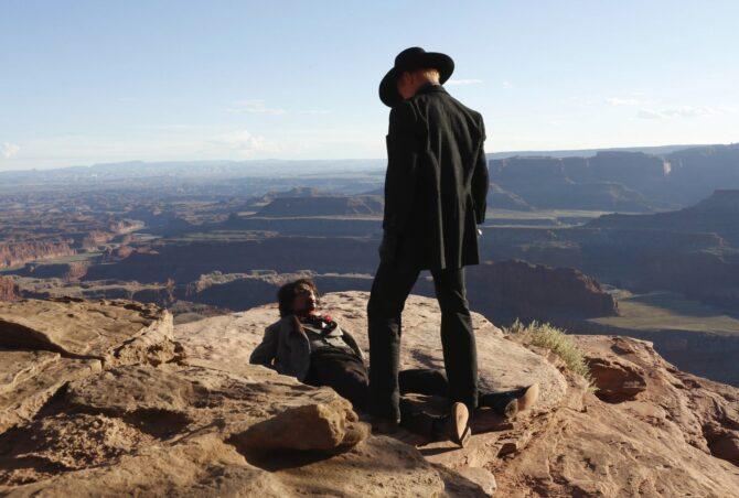 Ed Harris като Мъжът в черно © HBO